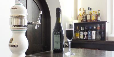 レーベンブロイ、アサヒスーパードライを中心にスパークリングワイン、ソフトドリンク、カクテル、も充実しております。